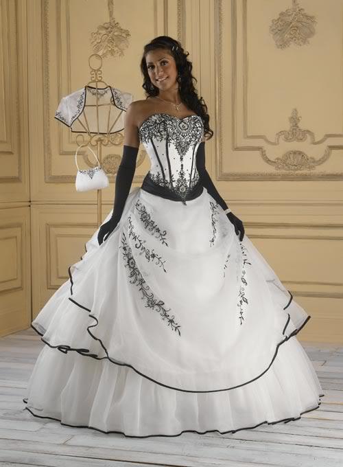 AKCE. černobílé plesové či svatební šaty f46dab3b2e